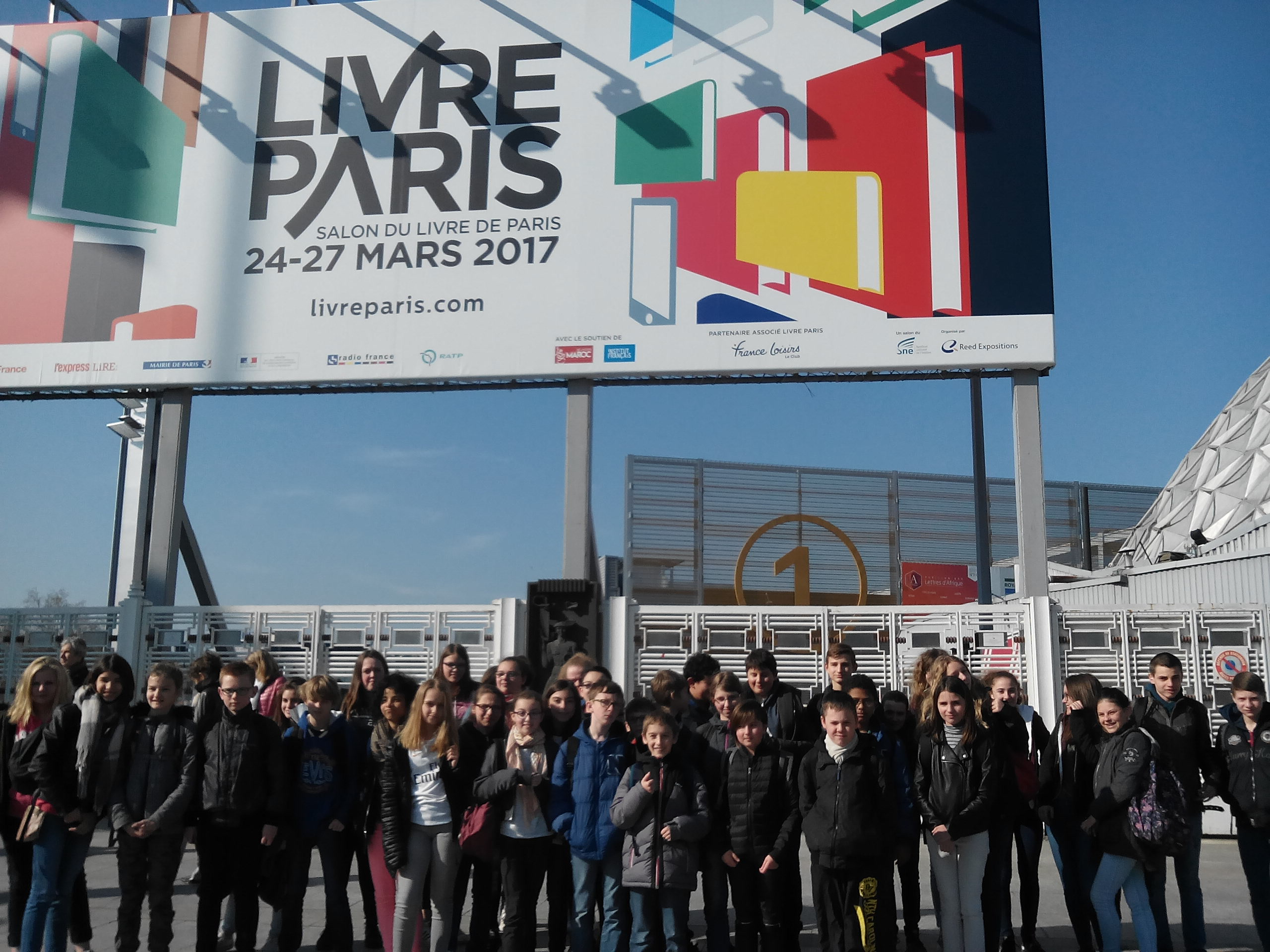 Site du coll ge louis philippe photos sorties salon du livre paris 2017 - Salon du livre 2017 paris ...
